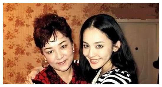 娱乐圈最美母女合影,热巴、刘亦菲家族基因太强