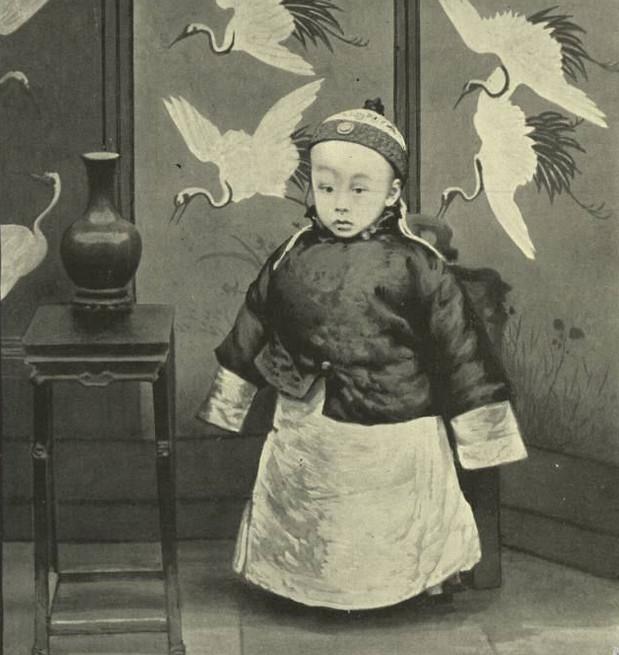 100张溥仪罕见老照片:从登基前的3岁幼童到八宝山公墓里的骨灰