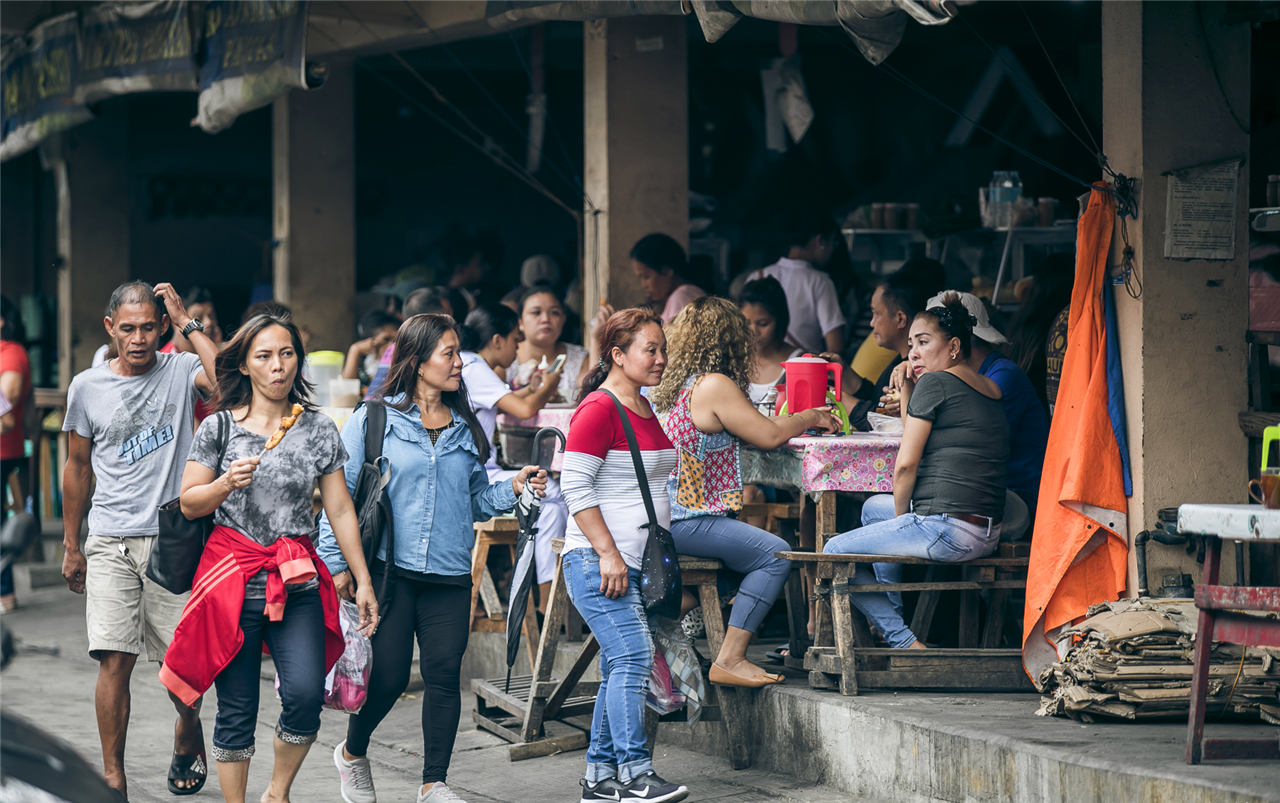 中国游客来到菲律宾旅游,为啥喜欢逛菜市场?价格让人诧异
