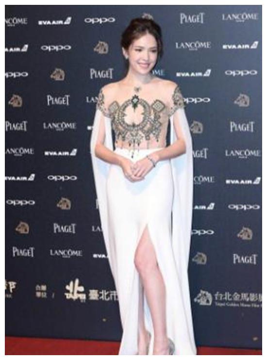 36岁张钧甯和34岁许玮宁,同样穿礼服,穿了不同的财富