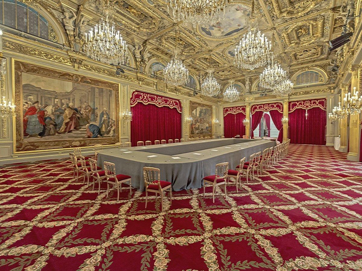 盘点各国领导人的豪华住宅,房间超过一千间,花费数十亿元