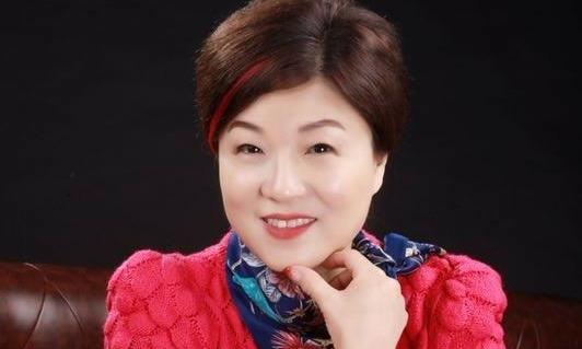 女硕士练习书法30年,学习启功,写出了自己特点,笔力强劲