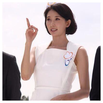悉数娱乐圈身着护士装的女星,哪个惊艳了你?被最后一张吸引了
