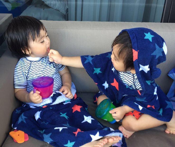 双胞胎Jenson和Kyson简直萌炸了,网友:林志颖好幸福!