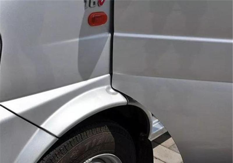 """5个""""侮辱智商""""的汽车设计,尤其是第4个,翻车才能看见备胎!"""