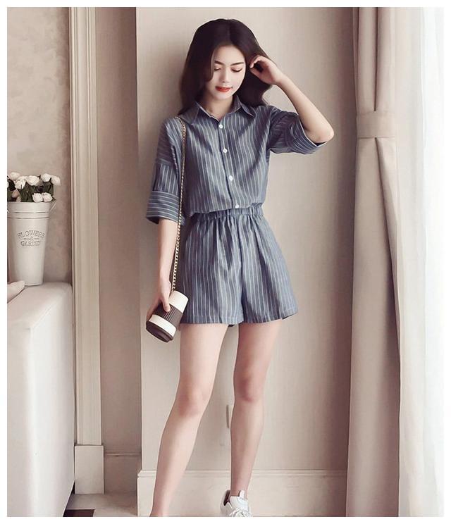 时尚干练的连体裤穿搭,这样穿显瘦又显高挑!