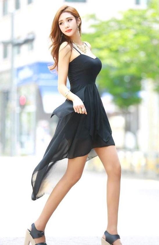 街拍美图:随性时尚的潮流穿搭,让你绽放自己独特魅力!