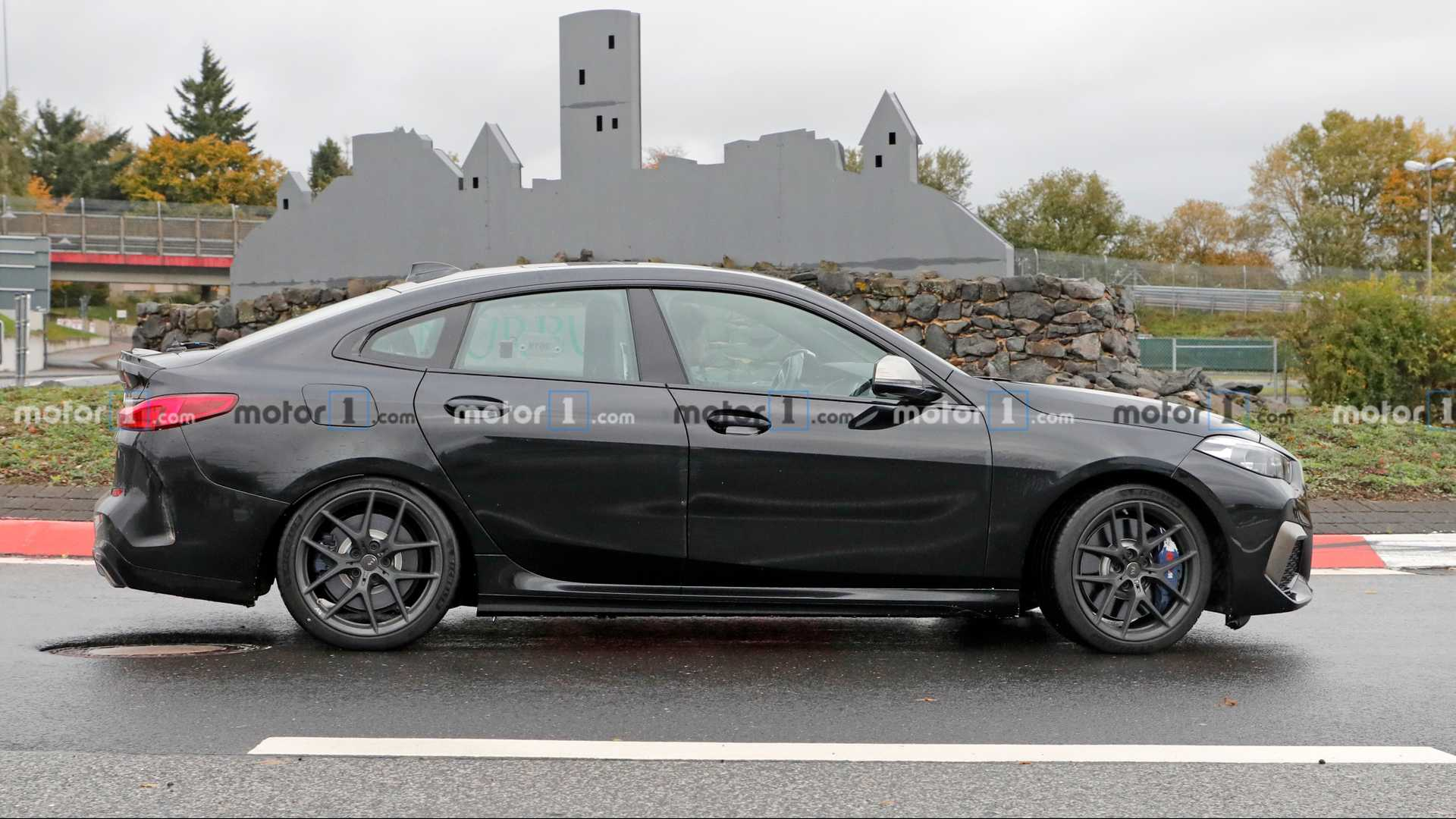 宝马2系Gran Coupe M235i实车曝光,奔驰CLA 35最强对手!