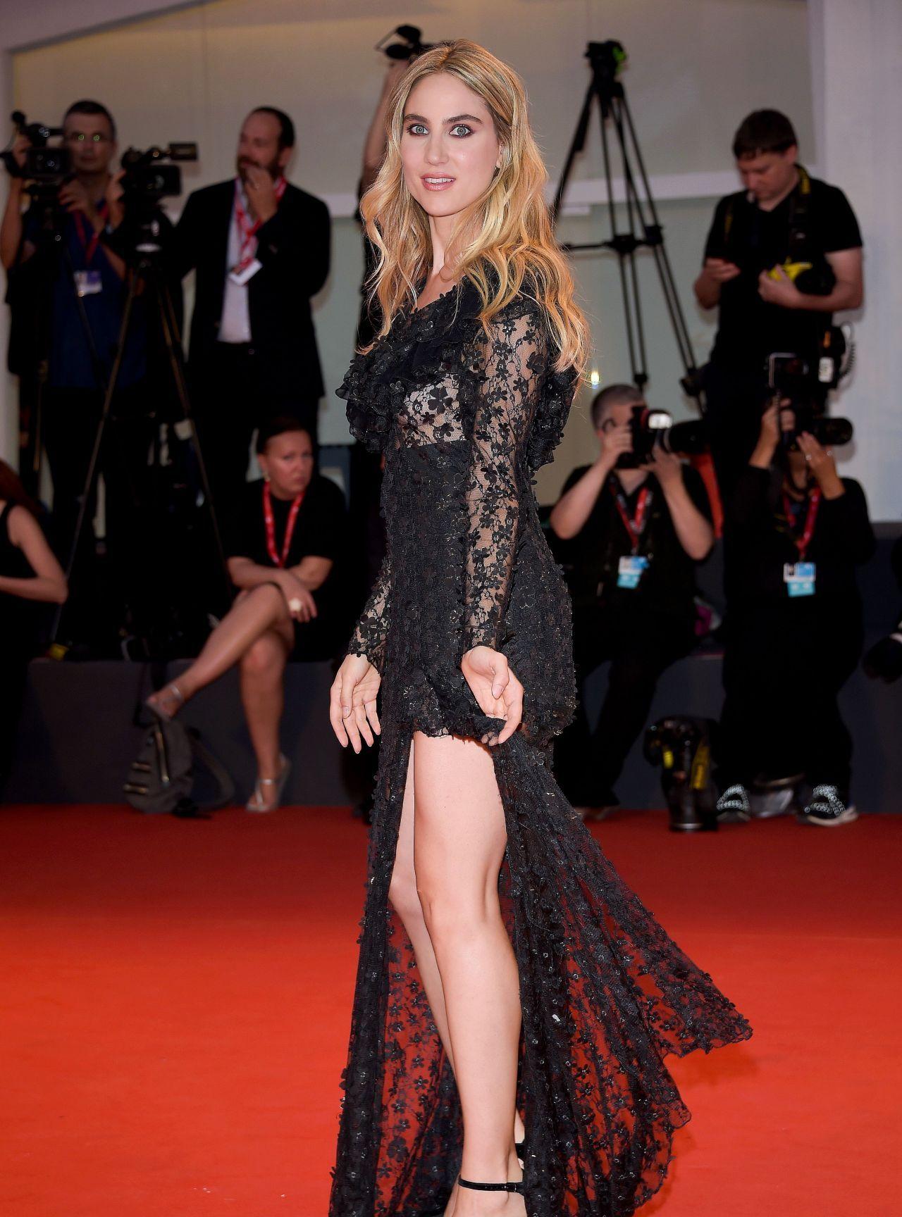 法国女星米里亚姆·加兰蒂黑色晚礼服76届威尼斯电影节走红毯