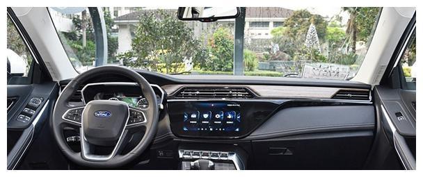 福特全新SUV领界现身,颜值比吉利博越漂亮,百公里油耗仅6。7L