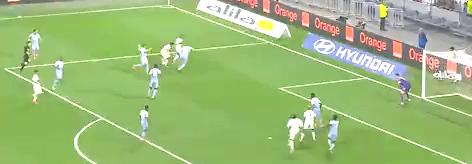 (法语)法甲:里昂主场3-2力克摩纳哥 费基尔独造三球