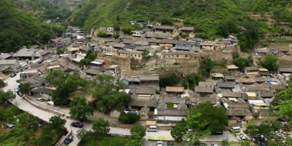 中国最幸福村庄,当地人不用上班还能挣钱,靠一种东西买豪宅名车
