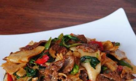 美食推荐:三鲜砂锅,三鲜排骨,香辣牛杂,宽粉炒肉