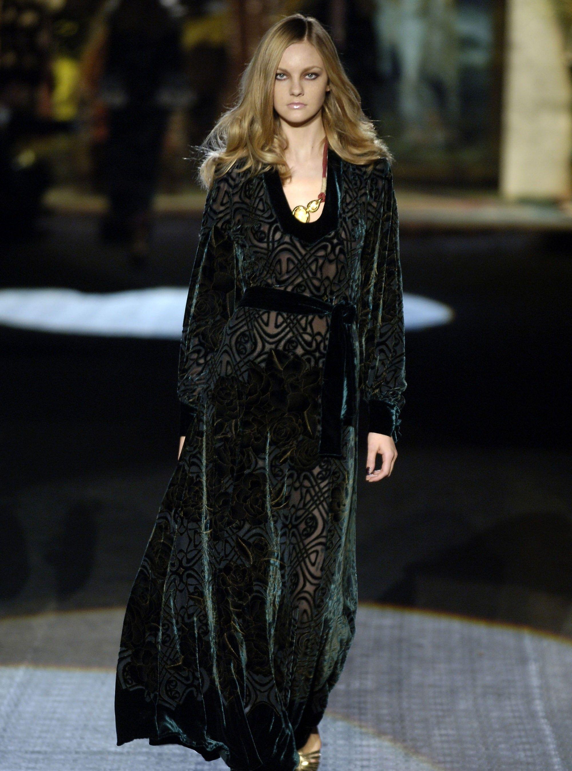 VOGUE俄罗斯:罗伯托·卡瓦利女性成衣