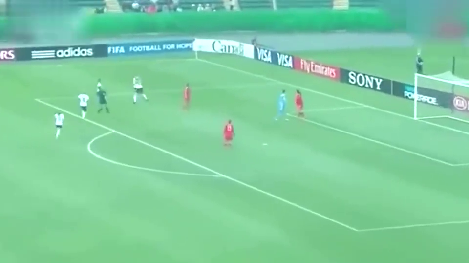 中国足球最努力的比赛 女足5球逼平德国 斗志完爆男足!