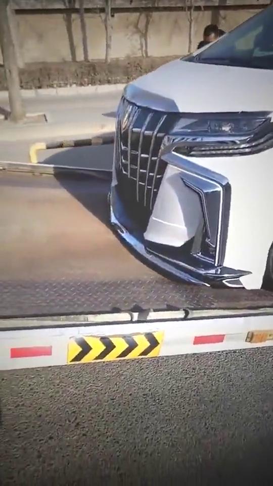 视频:和五菱宏光一样的神车,竟然长成这样!真的长见识了!