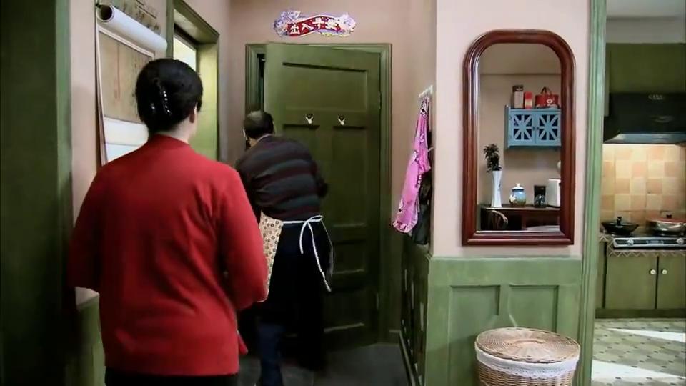 小曼第一次上门,婆婆就给未来儿媳来个下马威,小曼也不是好惹的