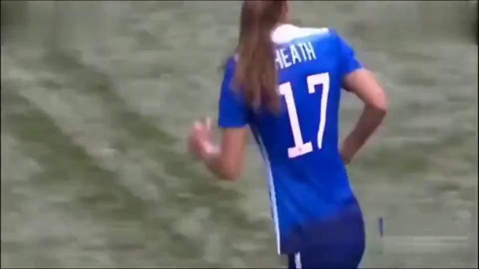 中国女足把美国女足主场变成秀场,王霜一脚踢懵在场所有美国球迷