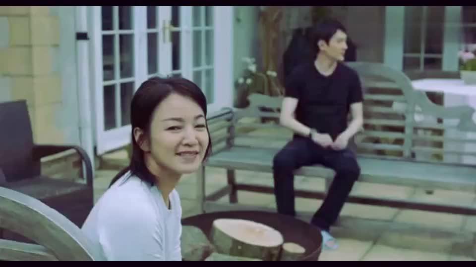 冯绍峰跟阿雅去英国小镇录节目三句话离不开赵丽颖感情真好