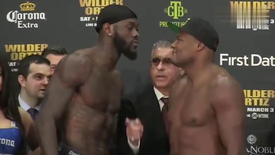 奇葩!神经刀似的UFC格斗选手把旁边的美女都吓了一哆嗦!