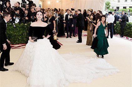余晚晚受邀加入Met Gala委员会,成为其最年轻的华人成员