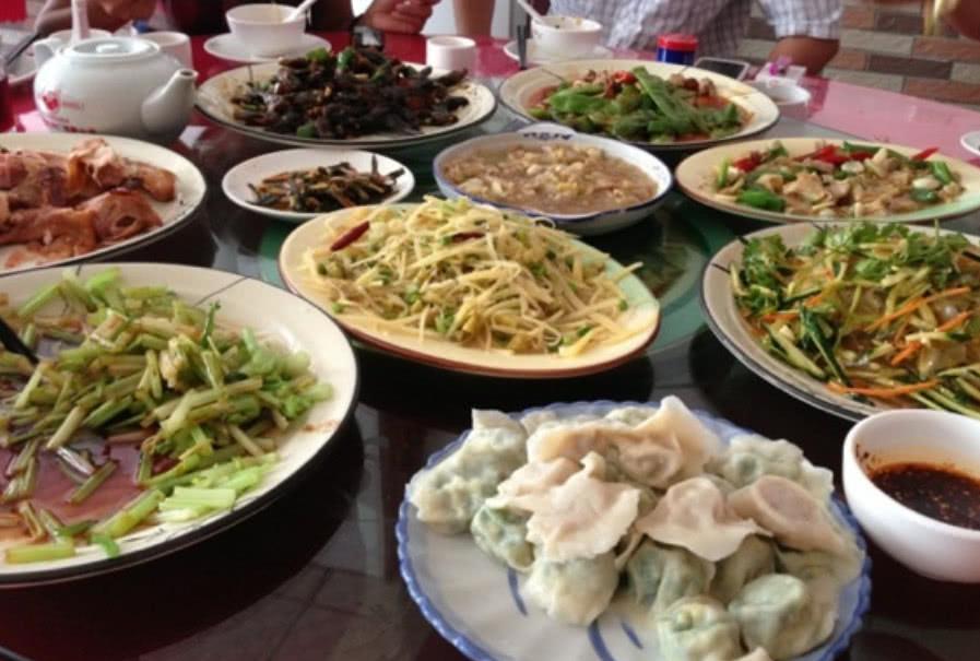 吃东北菜的结果,一个人点三个菜,吃饱后只能说东北菜真的很实诚|南方|东北菜|小伙_新浪新闻
