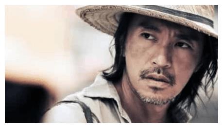 黄霑曾对周星驰说他是最当红的电影明星,星爷却当即反驳称不是?