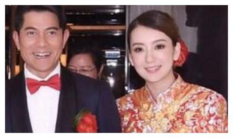 郭富城的老婆90分,张学友的老婆100分,而他的老婆给300