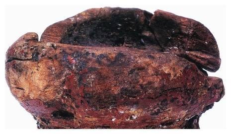河姆渡文化木胎朱漆碗,小碗虽然破,但人家可是新石器时代的