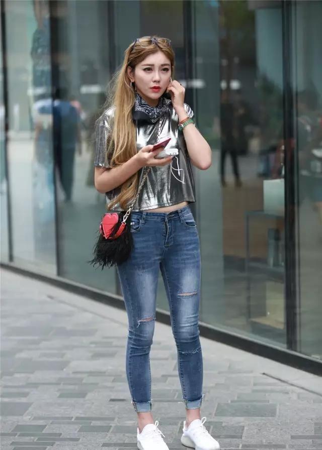 街拍:潮爆街头的时尚,提升了你的潮流感,秒变名媛淑女范!