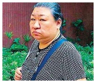 刘德华过亿身家亲姐却住廉租房,原来她姐姐这样对他
