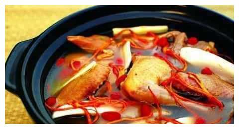 总结了一些产后食疗汤谱,告诉您产妇坐月子喝什么汤好