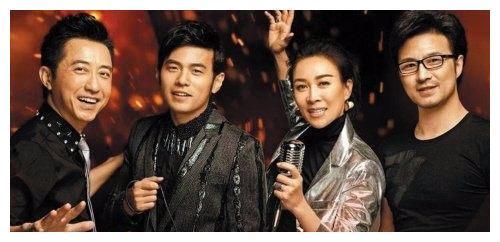 《中国新歌声》新导师谢霆锋被看扁,砸吉他的不如砸电视机的
