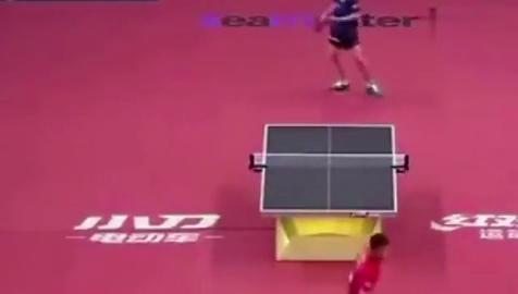 乒乓球亚锦赛刘国梁给张继科指导被现场直播刘国梁你削他!