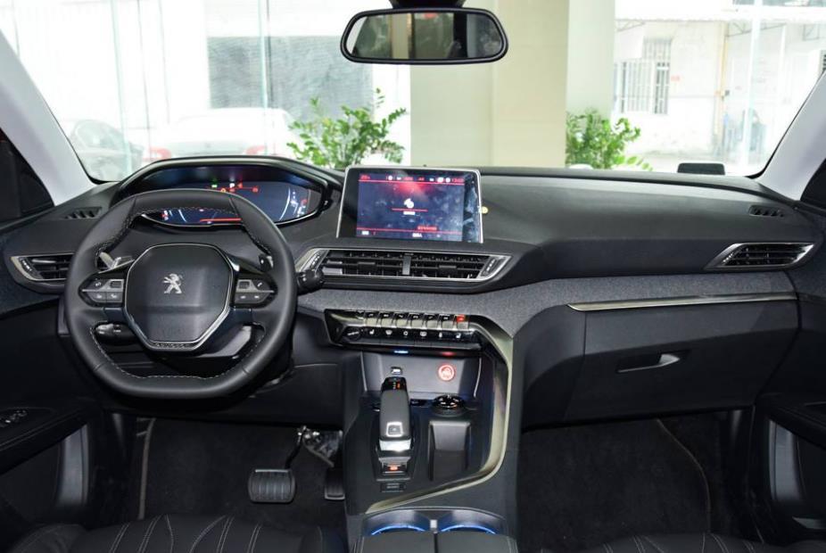 东风标致4008,一款已经上市三年的领先版紧凑型SUV