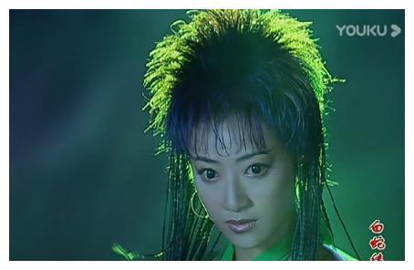 """陈紫函在《白蛇传》中的14个造型,小青居然这么""""雷""""的吗?"""