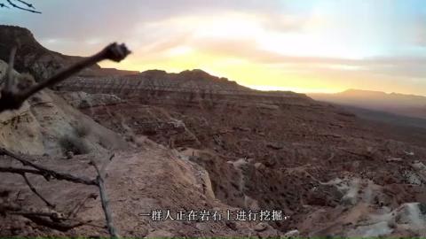 国外举办极限山地车比赛,网友:看得脚都软了