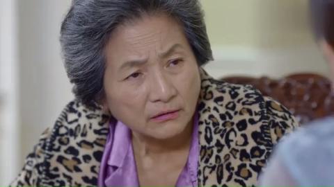男友的奶奶不同意女子,女子还细心照顾男友奶奶,自己病得晕倒