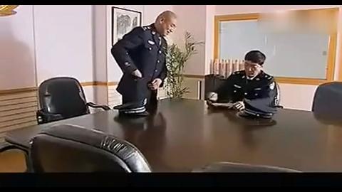 副局长买官卖官,霸气公安局长开会直接免职