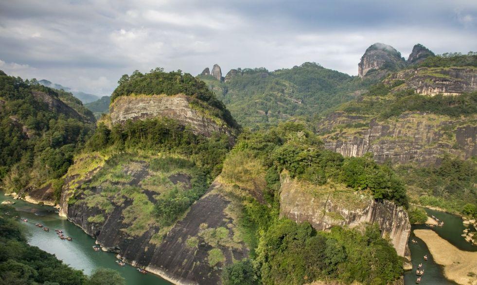 浙江福建江西交界有世界文化与自然双重遗产,被评为华东最美山水