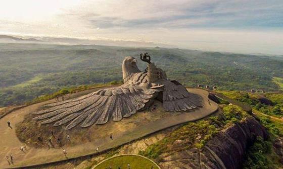 """印度最""""奇葩""""的雕像,历经10年耗资无数,却被游客吐槽建反了?"""