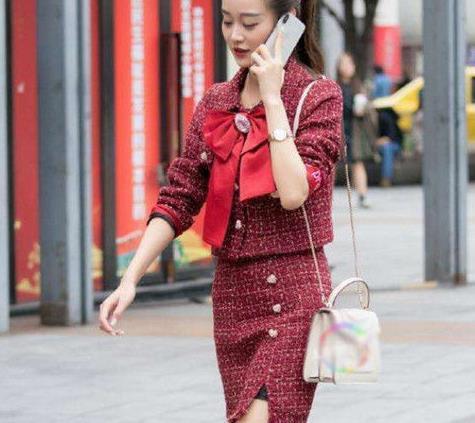 路人街拍:清新时尚的美女,举手投足魅力十足