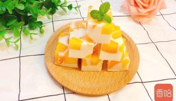 好吃的芒果冻自己在家就能做,不用吉利丁,做法简单又好吃
