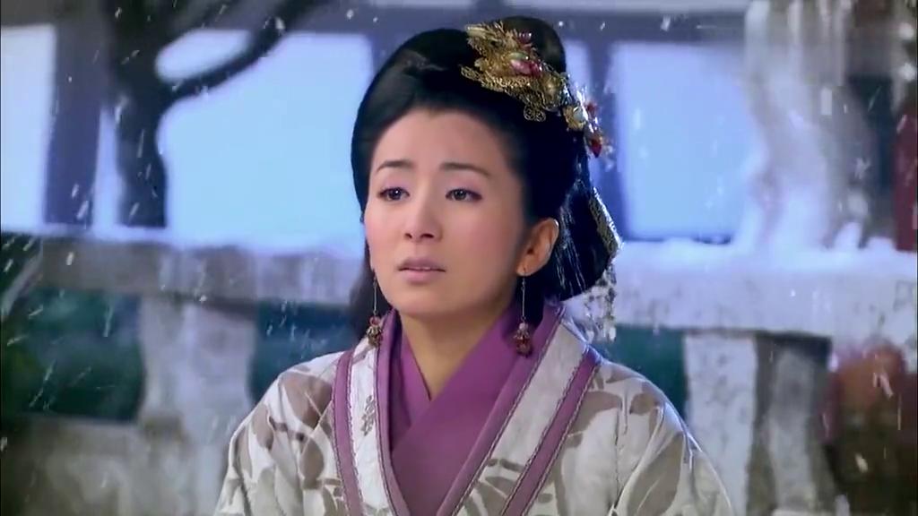 凤凰牡丹:仲豪当上卫王,太后回忆起往事,直接吓晕了!