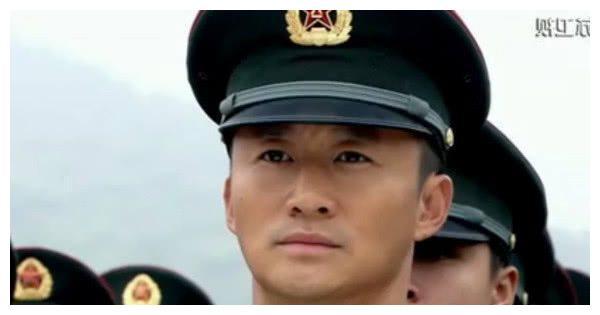 """最适合演军人的5位""""硬汉"""",吴京垫底,第一本色出演无人超越!"""