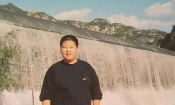 魏大勋置顶最胖时期照片,谁注意杨幂发了啥?网友:故意的?