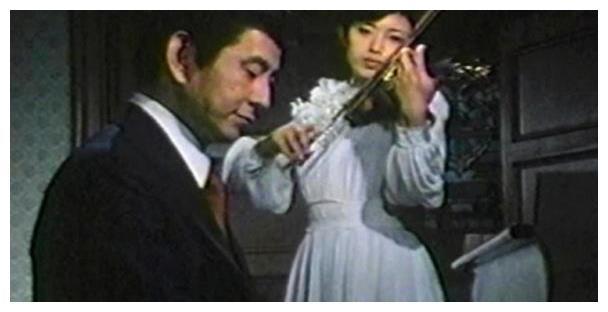 血疑主演大岛茂为拍摄电视剧,50多岁穿着紧身衣和小女生学芭蕾!