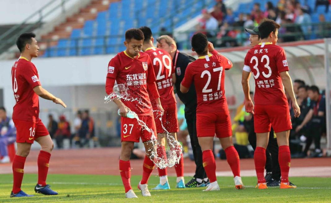 中甲第27轮长春亚泰1:0四川FC,日夫科维奇打进全场唯一进球
