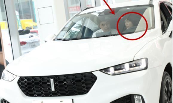 奔驰漏油女车主重现公众视野,喜提长城,表示:国产车更靠谱!