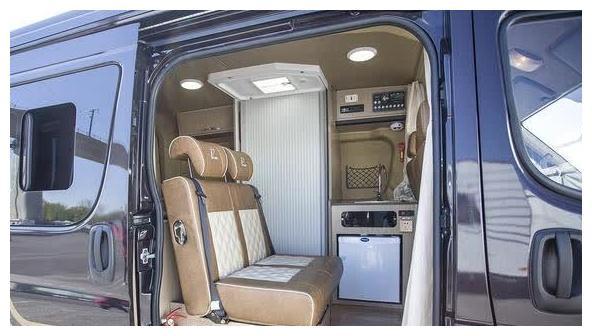 总算没白等!这款房车,厨卫齐全,双床四卧,仅售20多万